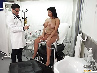 Chubby Latina breathe pounded hardcore vanguard doctor's office