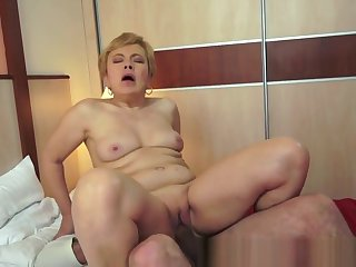 Obese Grandma Gets Jizzed On After Fucking