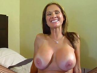 Busty mature old bag serves black dick