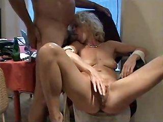 Hot MILF wants orgasm