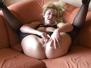 Perverted talk deutsch blonde pleasing her close-fisted pussy till it gets wet