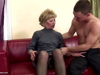 Hairy mature mom ass fucked together with inebriated on