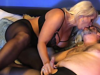 Sexual mature gets her paws on a fierce cock