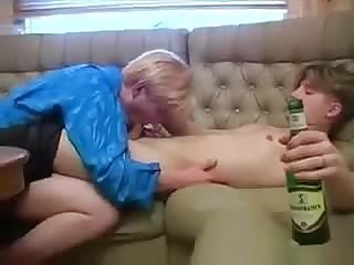 Drunkard MILF hard sex video