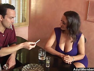 After chip chat Persia Monir blows a friend's hard load of shit in the bar