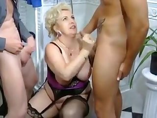 This bonny horny mature gave her partners an awesome massive deep throat blowjob