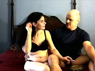 Unpaid MILF With Sexy Long Legs First Porn Video