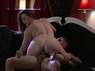 A blowjob and kissing in advance rough fuck is a rule for Chanel Preston