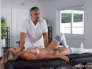 Gabbie Carter gets their way pussy fucked and fingered in the stranger's room