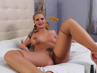 Phoenix Marie rubbing her pussy