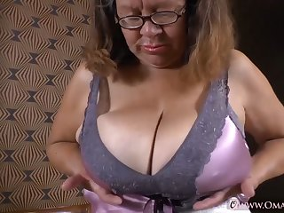 OmaGeiL Assemblage of Hot Mature Films and Pics