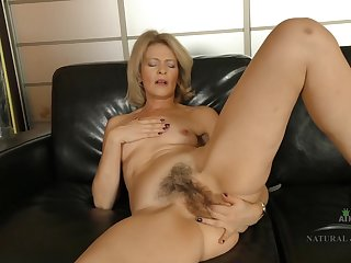 Housewife Coochie On Leather Couch - flaxen hair lady