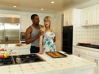 English mature housewife Jamie Foster is lay on fucked by black ray