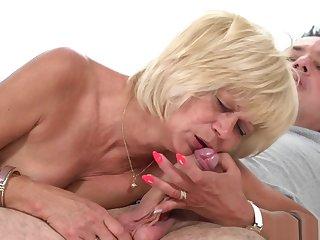 Horny grandma gets her cunt plowed