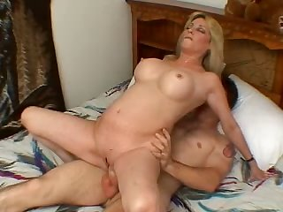 Bungling super MILFie fit together rides fat muddy cock involving reverse cowgirl pose