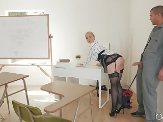 Teacher Sarah Vandella in stockings spreads her legs for a fat bushwa