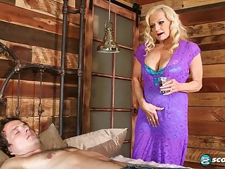 Wrinkle granny Layla Pinkish wants his young cock