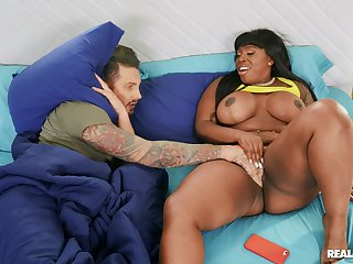 White guy face fucks and shags roasting ebony BBW Ms. London