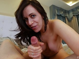 Cock sucking amateur babe stops only in a little while the sperm floods her mouth