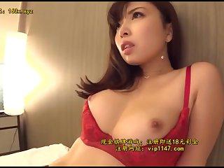 Horny Asian MILF amazing sex clip
