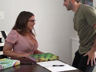 Natasha Nice Takes Vociferation Insusceptible to Huge Melons