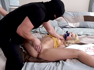 Endless pleasures in a little while the robber turns to her pussy