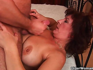 Grandma with chunky tits and hairy pussy gets facial