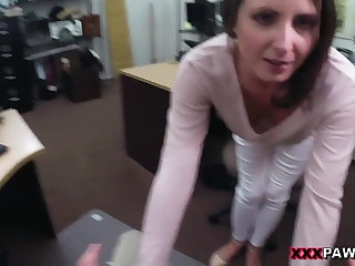 Customer's Wife Wants An obstacle D! - XXX Pawn